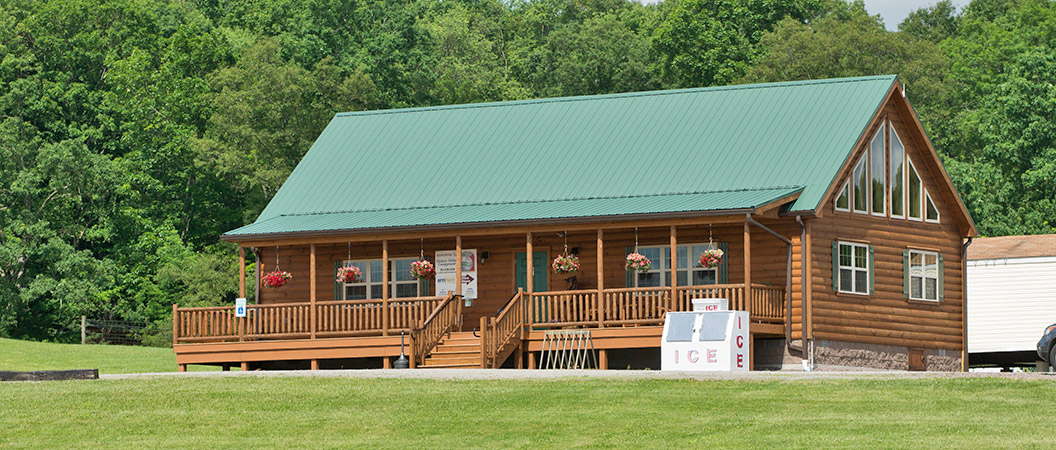 Event in the outdoor pavilion at Hickory Hollow Campground
