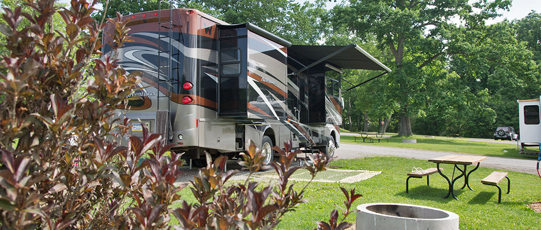 Private campsites at Hickory Hollow Campground